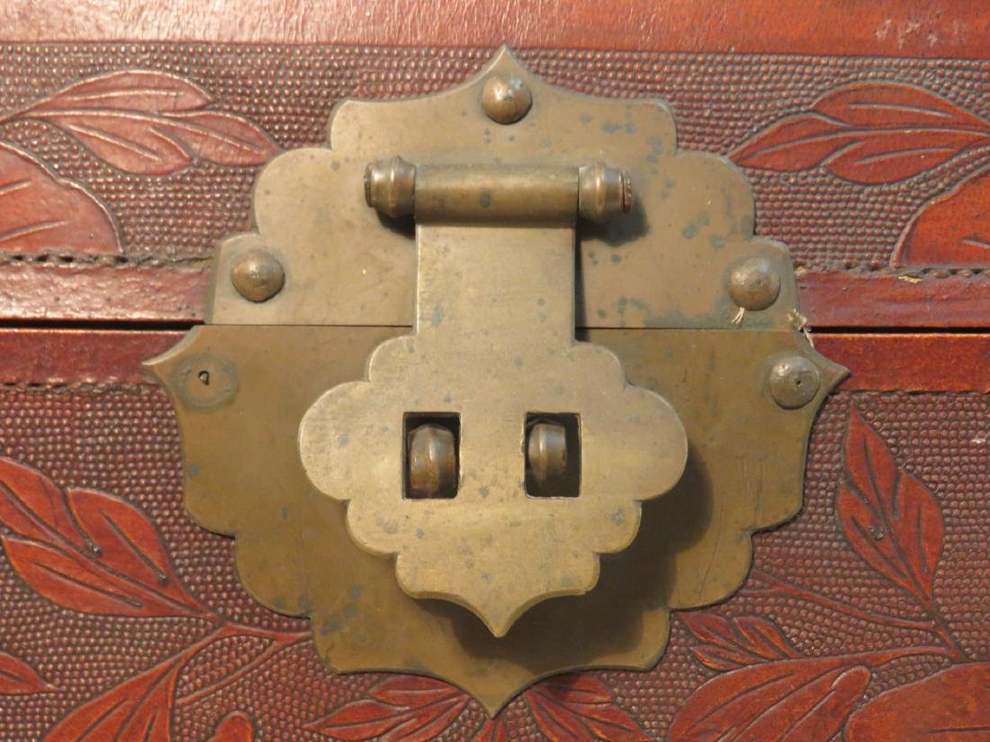 VINTAGE CHINESE EMBOSSED LEATHER CHEST ON LEGS - 5