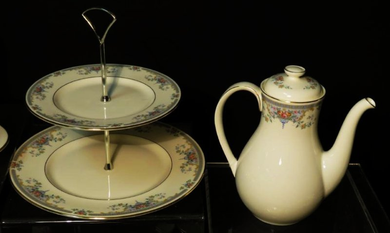 "ROYAL DOULTON ""JULIET"" DINNERWARE SERVICE FOR 12 - 10"