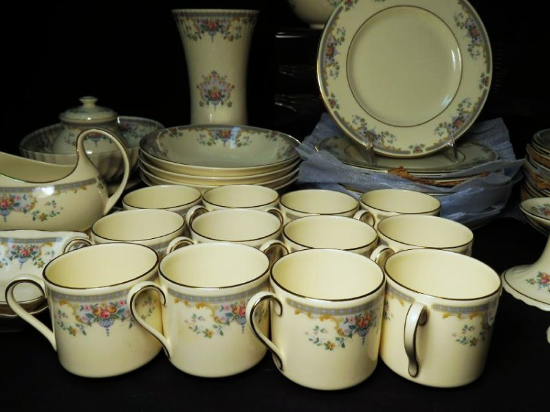 "ROYAL DOULTON ""JULIET"" DINNERWARE SERVICE FOR 12 - 2"