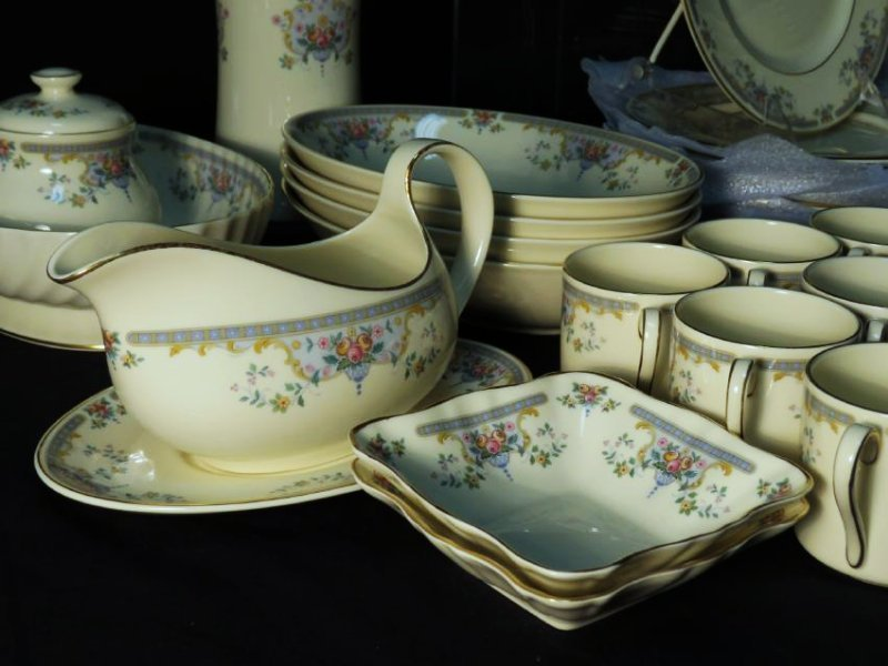 "ROYAL DOULTON ""JULIET"" DINNERWARE SERVICE FOR 12 - 3"