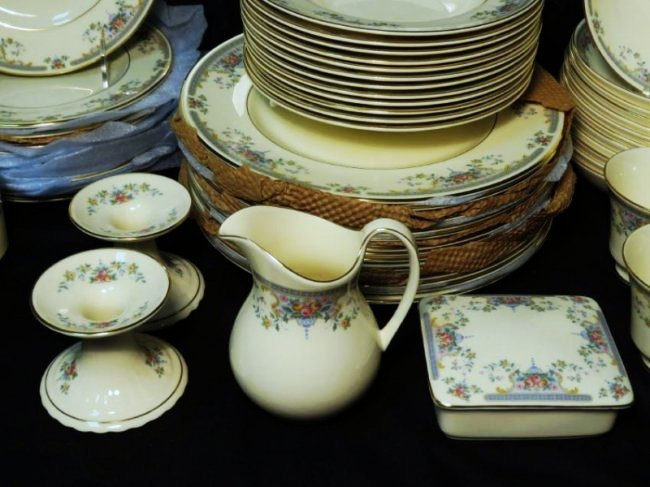 "ROYAL DOULTON ""JULIET"" DINNERWARE SERVICE FOR 12 - 7"