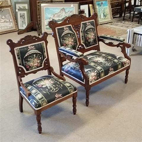 EASTLAKE VICTORIAN CARVED WOOD SETTE & SIDE CHAIR