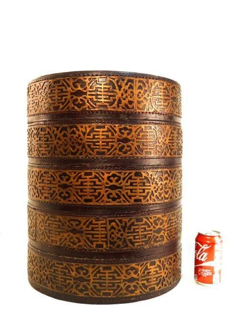 CHINESE ROUND LACQUERED STACKING BOX - 2