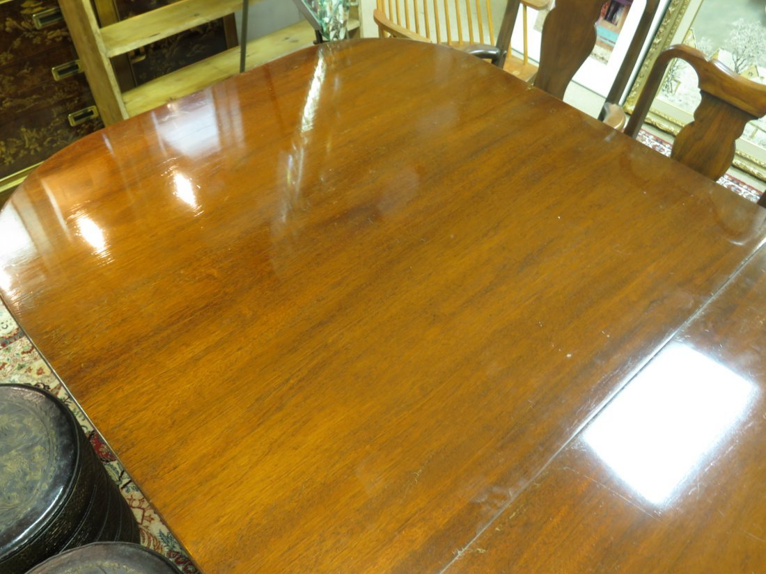 EARLY 20TH C DUNCAN PHYFE STYLE DINING TABLE - 12