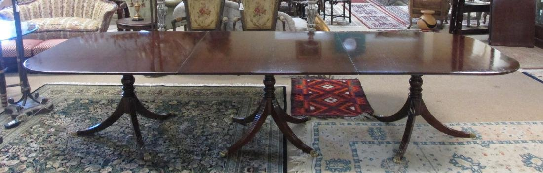 EARLY 20TH C DUNCAN PHYFE STYLE DINING TABLE
