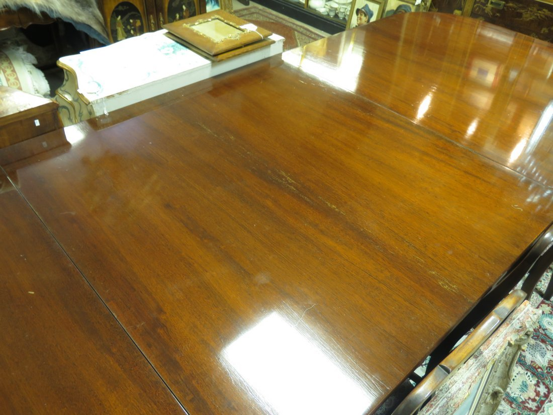 EARLY 20TH C DUNCAN PHYFE STYLE DINING TABLE - 8
