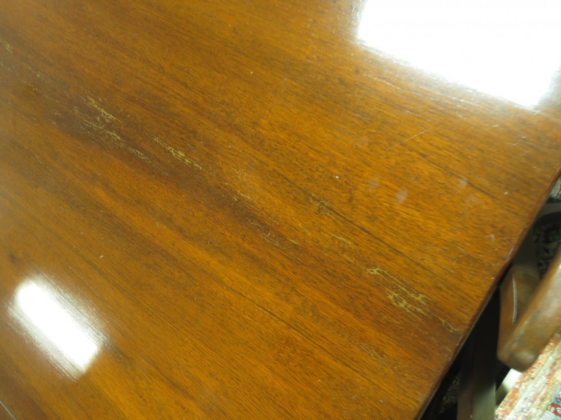 EARLY 20TH C DUNCAN PHYFE STYLE DINING TABLE - 9