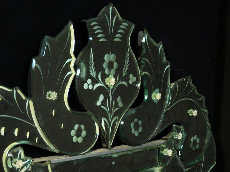 LARGE VENETIAN ENGRAVED GLASS MIRROR - 2