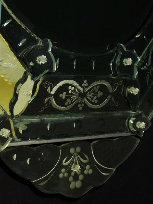 LARGE VENETIAN ENGRAVED GLASS MIRROR - 4