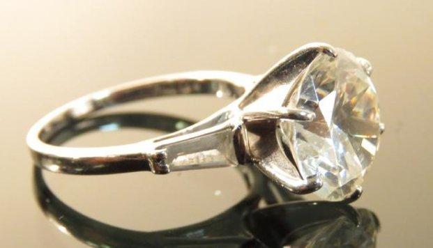 LADIES 14K WHITE GOLD & FAUX DIAMOND COCKTAIL RING