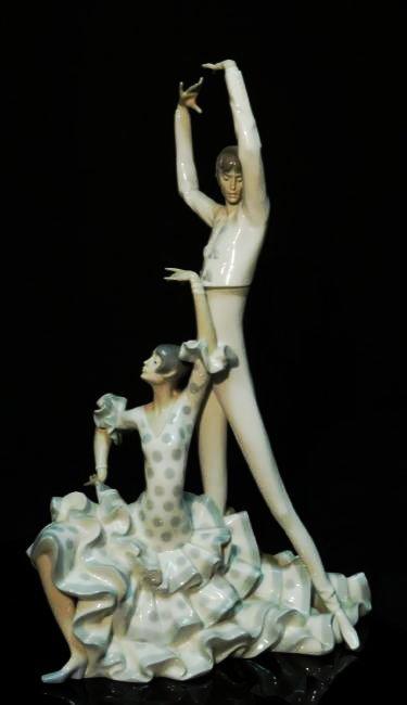 "LARGE LLADRO PORCELAIN FIGURINE ""FLAMENCO DANCERS"""
