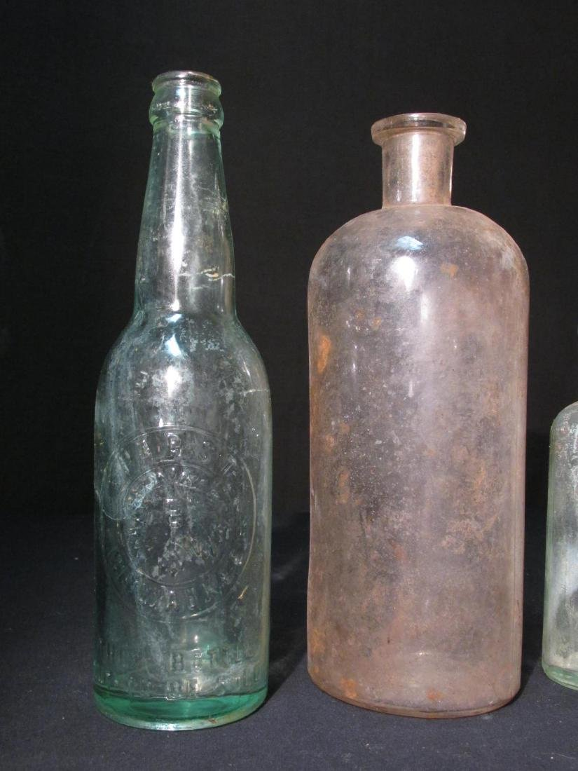 COLLECTION ANTIQUE BOTTLES: EMBOSSED, PYREX ETC 18 - 11