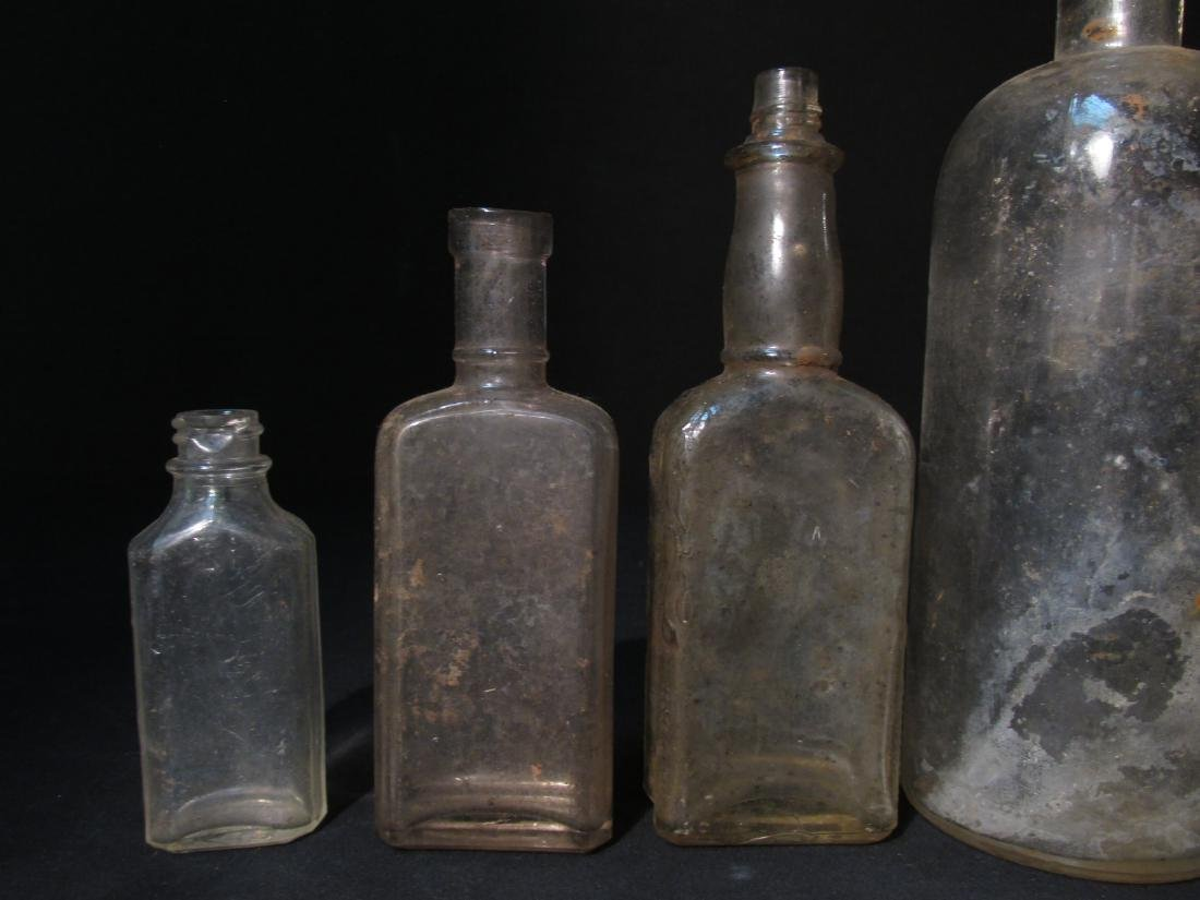 COLLECTION ANTIQUE BOTTLES: EMBOSSED, PYREX ETC 18 - 14