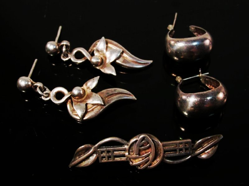 ESTATE STERLING SILVER JEWELRY LOT - 4