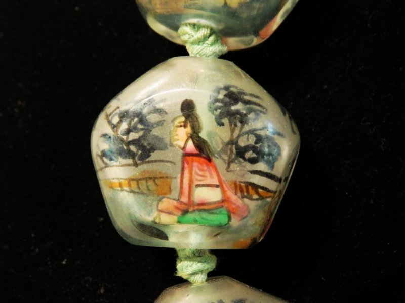 VINTAGE CHINESE INSIDE PAINTED GLASS BEAD NECKLACE - 2