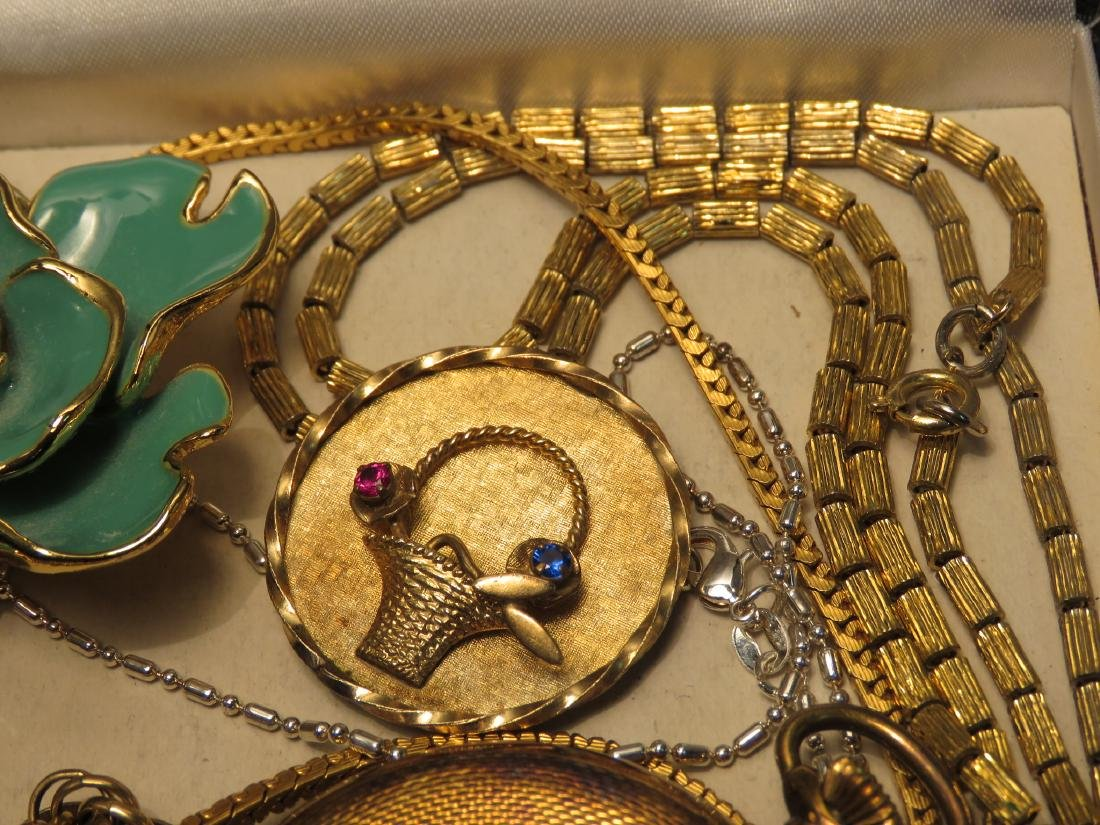 TRAY LOT VINTAGE & ANTIQUE JEWELRY GOLD FILLED ETC - 5