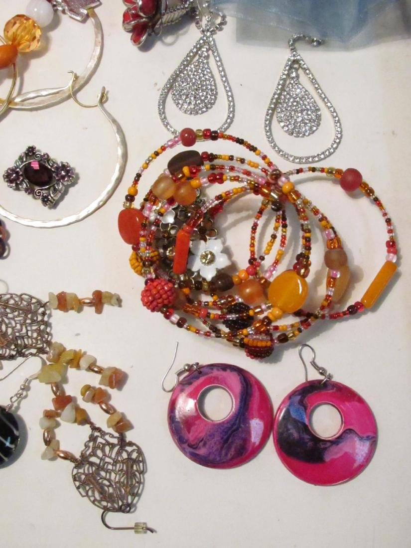 HUGE COLLECTION LADIES COSTUME JEWELRY - 10