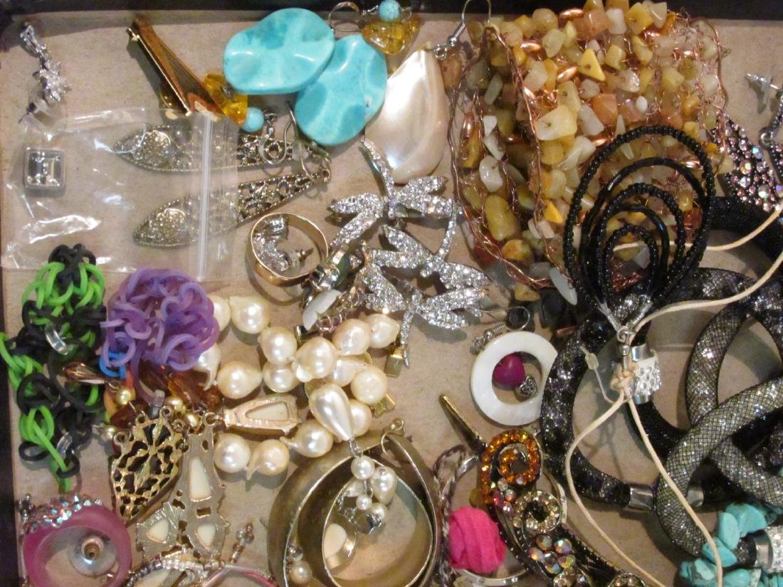 HUGE COLLECTION LADIES COSTUME JEWELRY - 4