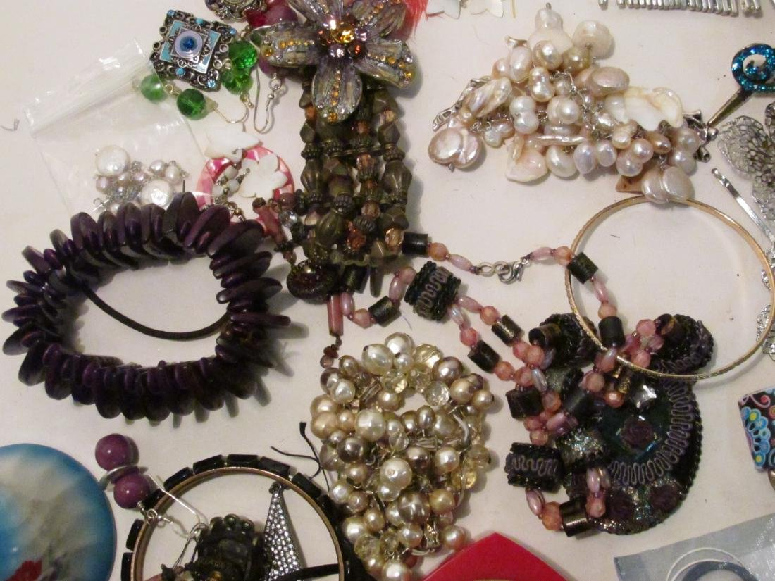 HUGE COLLECTION LADIES COSTUME JEWELRY - 8
