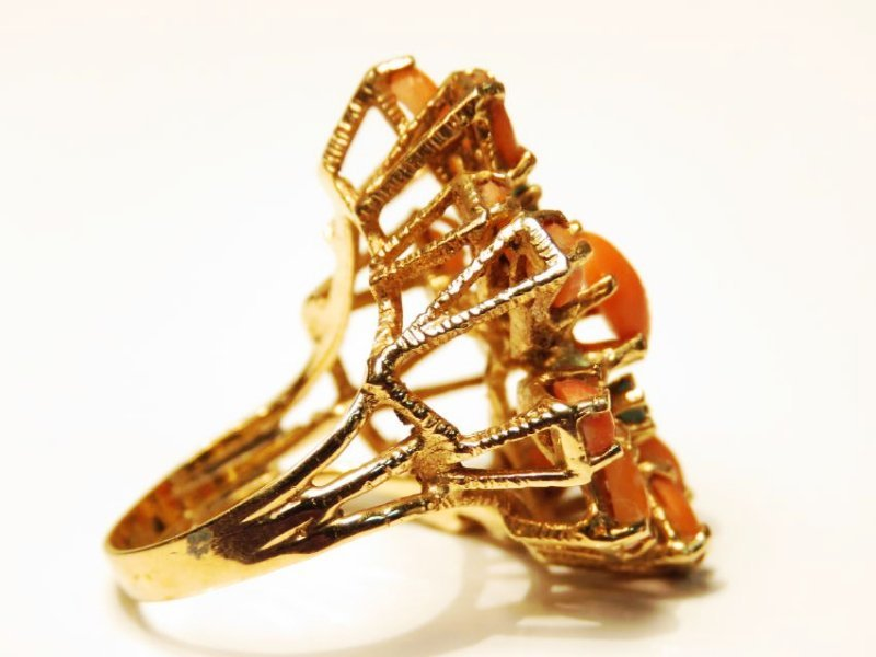 LADIES 14K YELLOW GOLD, CORAL & EMERALD RING SZ 6 - 2