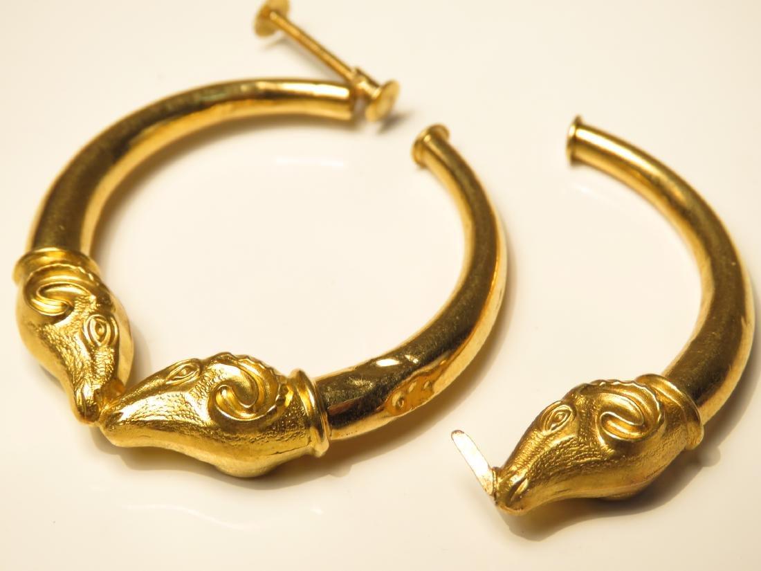 LADIES 18K GOLD DAMAGED RAMS HEAD HOOP EARRINGS