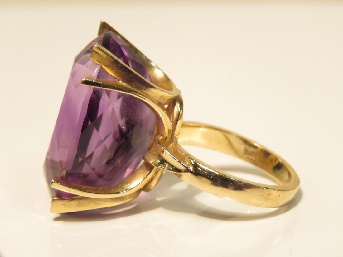 LADIES 14K YELLOW GOLD AMETHYST COCKTAIL RING SZ 6