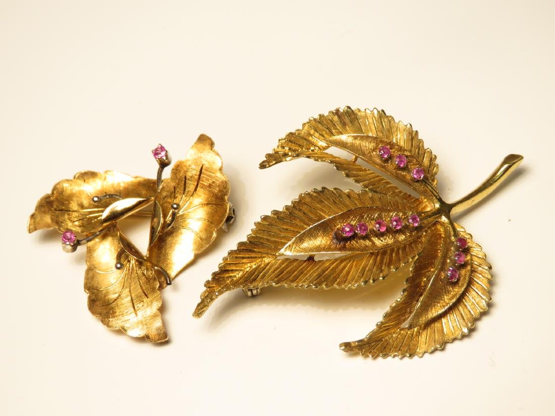 TWO 18K YELLOW GOLD & RUBY LEAF BROOCHES 18.3 GRAM