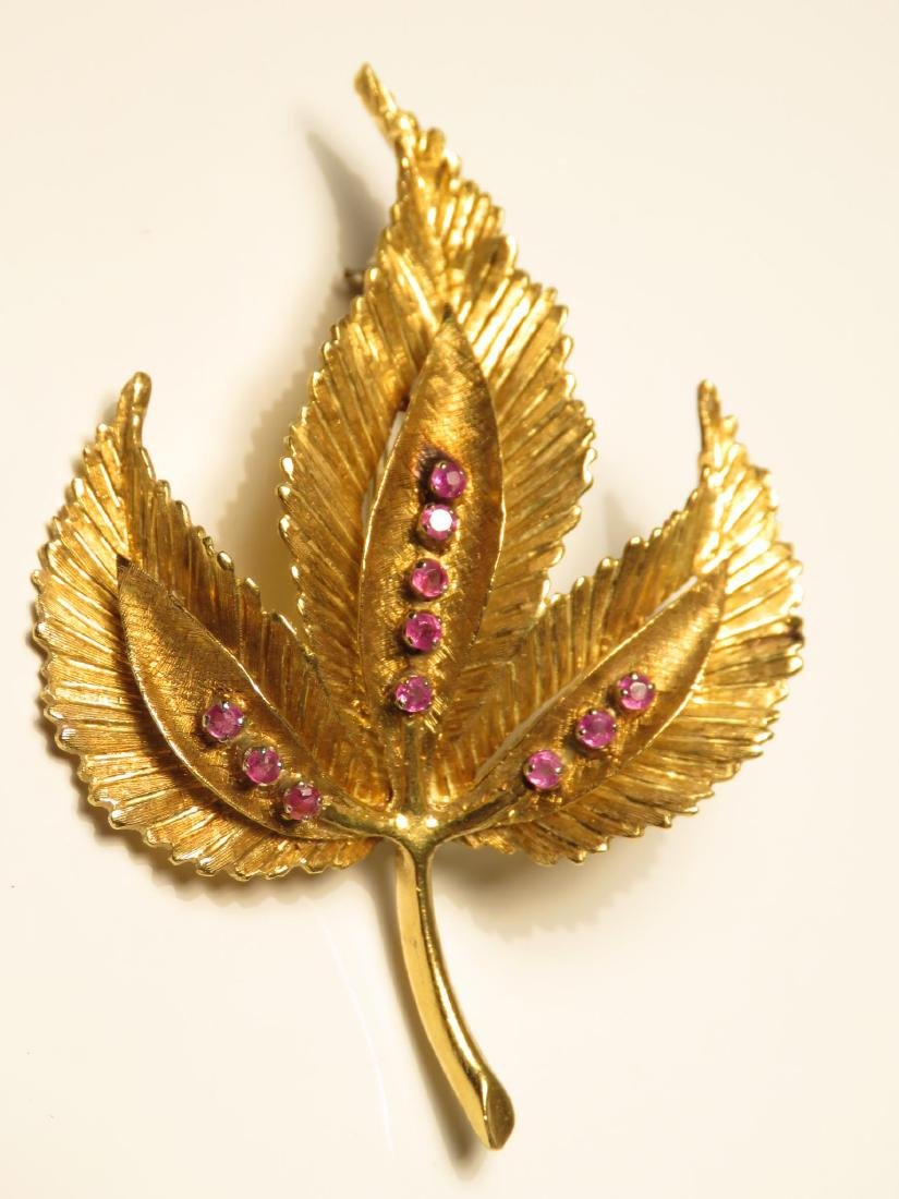 TWO 18K YELLOW GOLD & RUBY LEAF BROOCHES 18.3 GRAM - 5