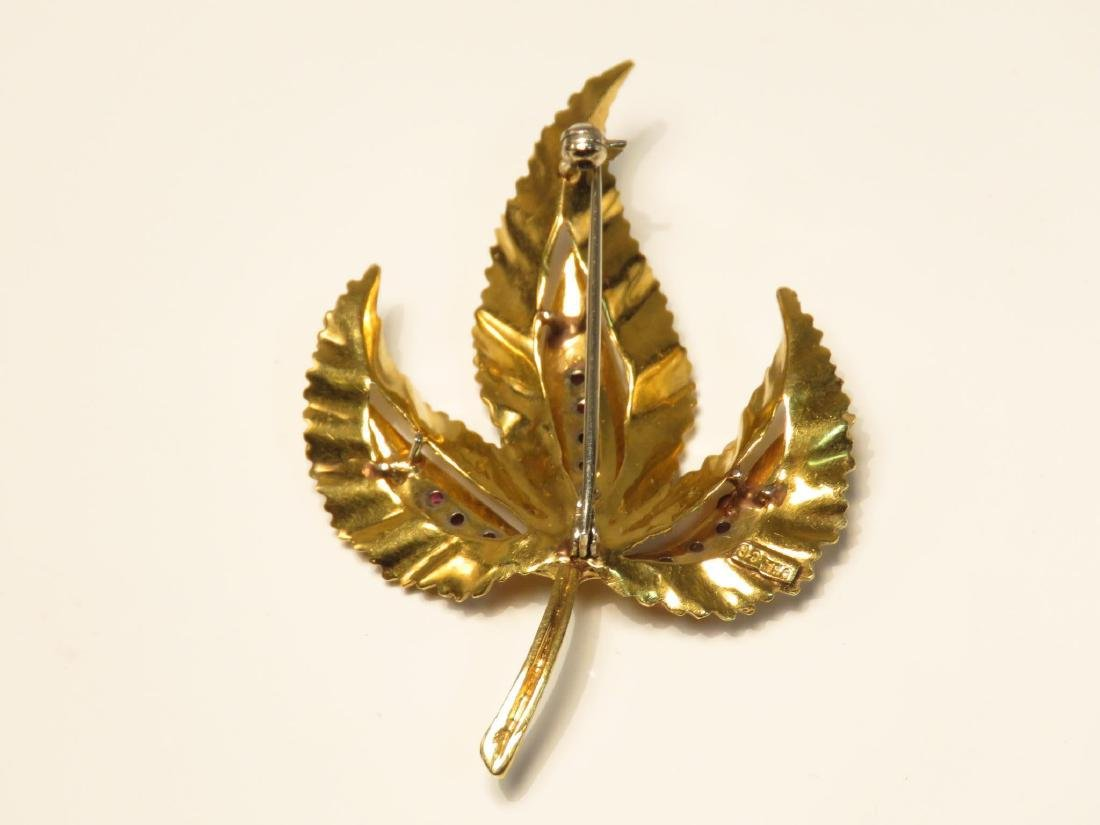TWO 18K YELLOW GOLD & RUBY LEAF BROOCHES 18.3 GRAM - 6