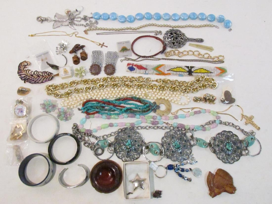 TRAY LOT LADIES COSTUME JEWELRY ETC