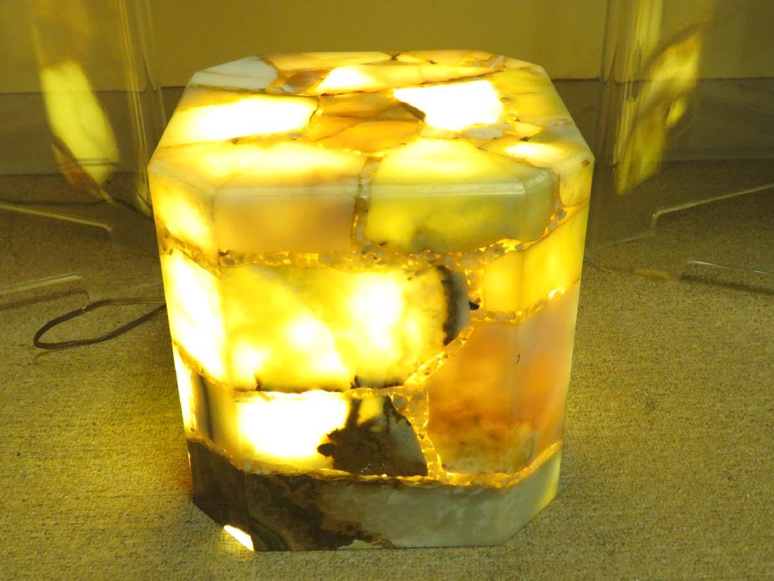 SMALL PIECED AGATE LIGHTED PEDESTAL STAND
