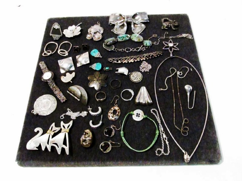 TRAY LOT LADIES STERLING SILVER COSTUME JEWELRY
