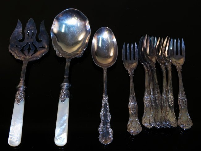 ASSORTED VINTAGE FLATWARE: TIFFANY & CO ETC.