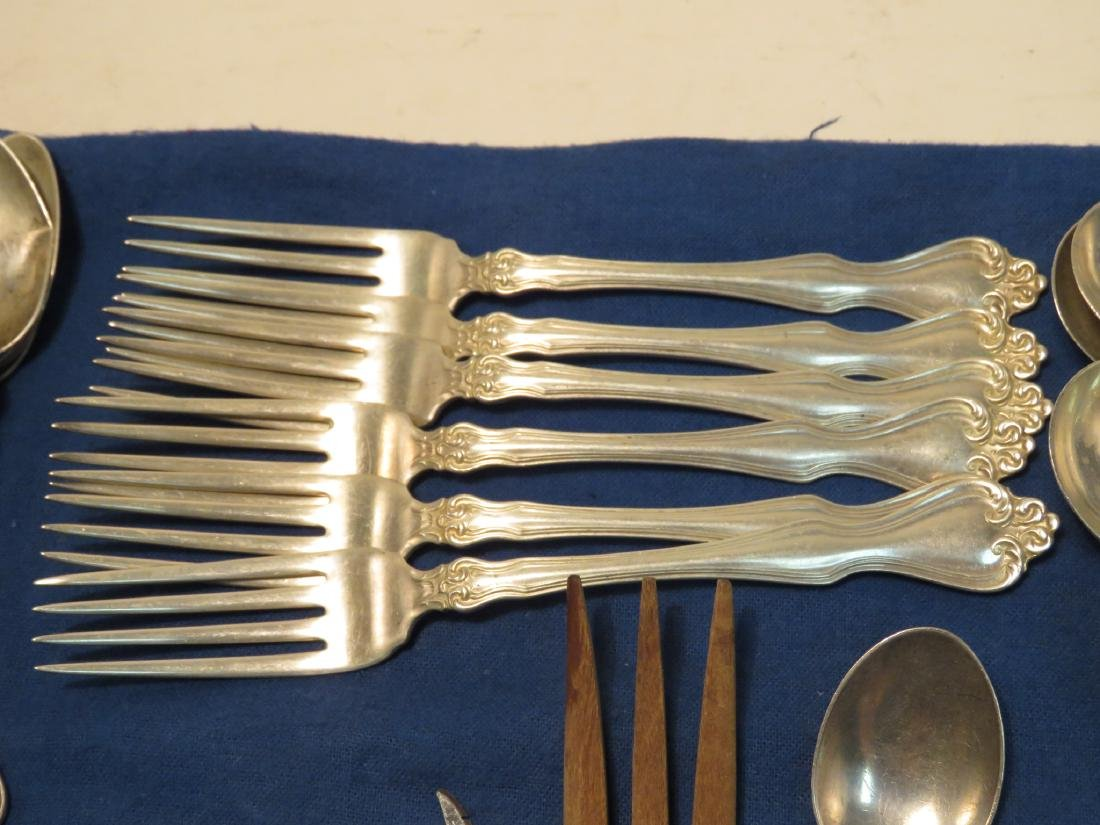 STERLING SILVER FLATWARE GROUP: 37.4+ TROY - 6