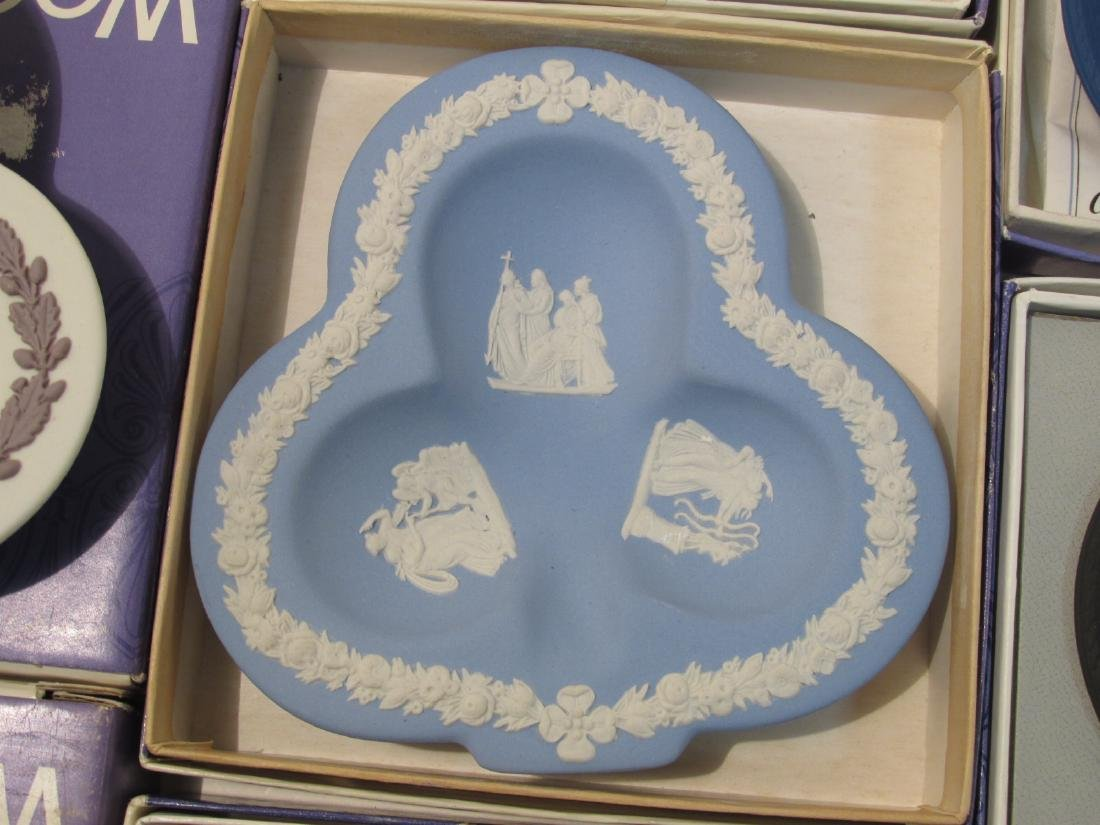 COLLECTION WEDGWOOD JASPERWARE CAMEO & DISHES - 10