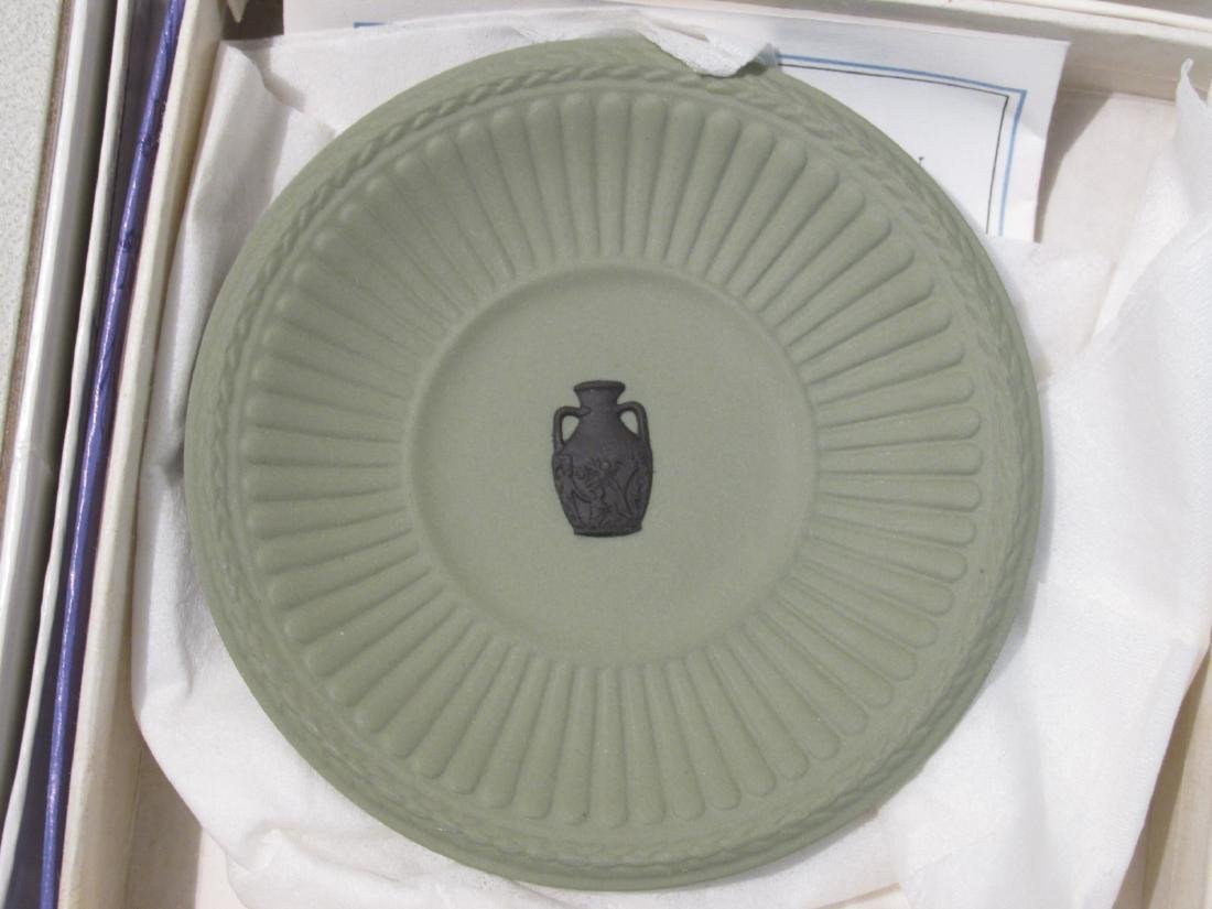 COLLECTION WEDGWOOD JASPERWARE CAMEO & DISHES - 14