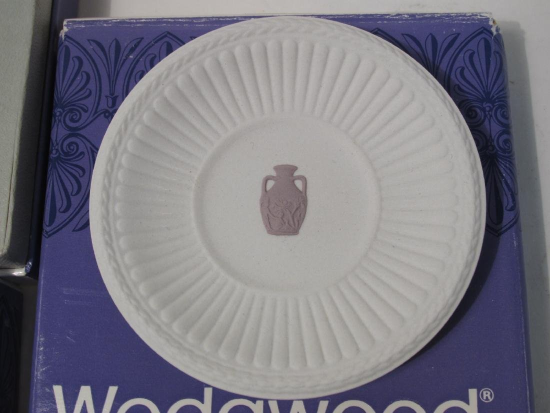 COLLECTION WEDGWOOD JASPERWARE CAMEO & DISHES - 16