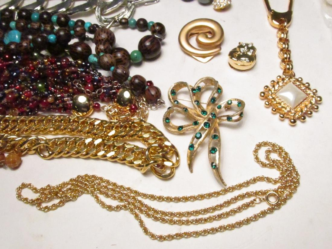 TRAY LOT LADIES COSTUME JEWELRY: NOLAN MILLER ETC. - 3