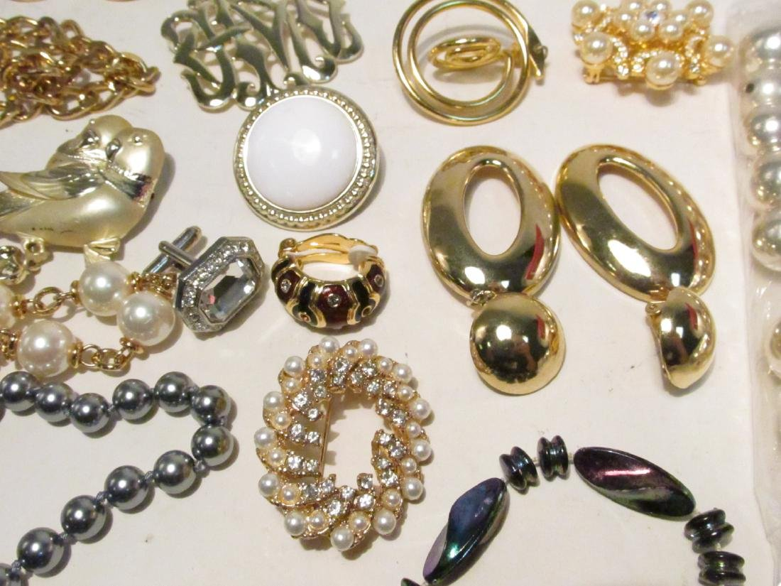 TRAY LOT LADIES COSTUME JEWELRY: NOLAN MILLER ETC. - 5