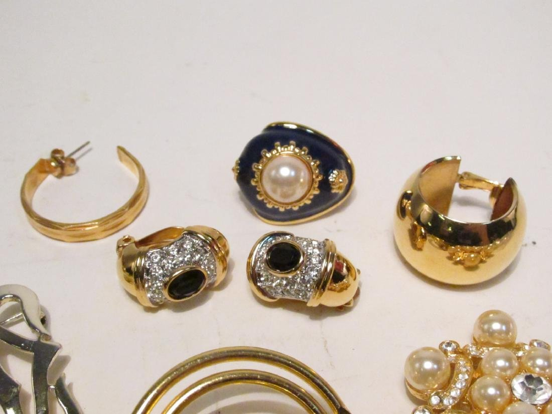 TRAY LOT LADIES COSTUME JEWELRY: NOLAN MILLER ETC. - 6