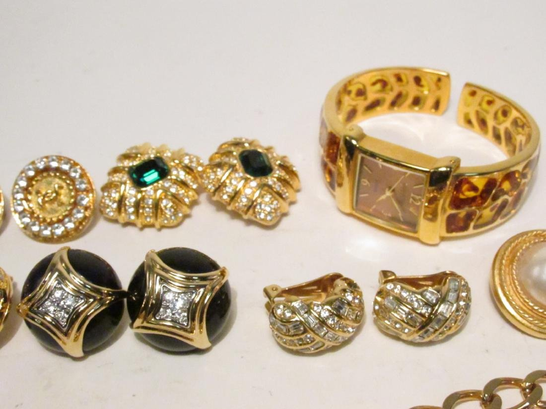 TRAY LOT LADIES COSTUME JEWELRY: NOLAN MILLER ETC. - 8