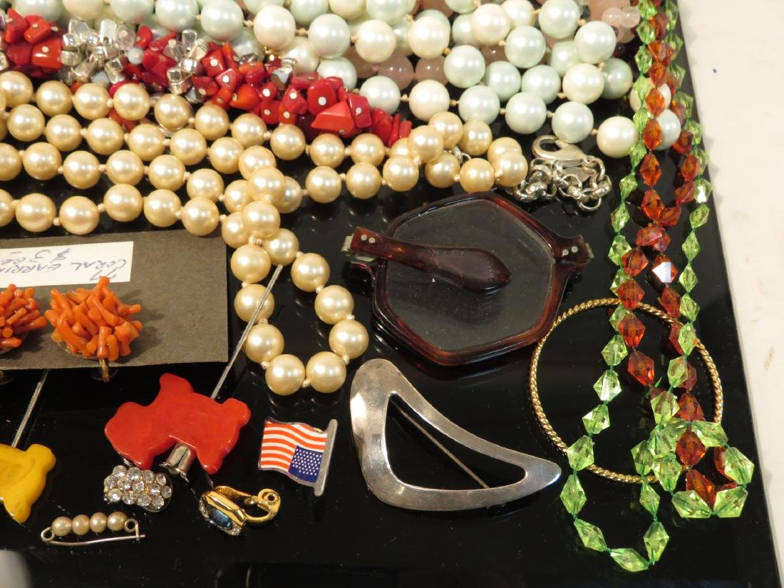LARGE TRAY LOT LADIES COSTUME JEWELRY GOLD TONE ET - 8