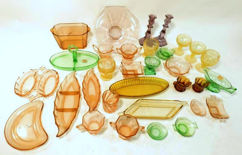 ASSORTED VINTAGE HEISEY COLORED GLASSWARE