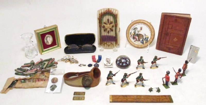 TRAY LOT VINTAGE COLLECTIBLES, TOYS, MEDALS, ETC.