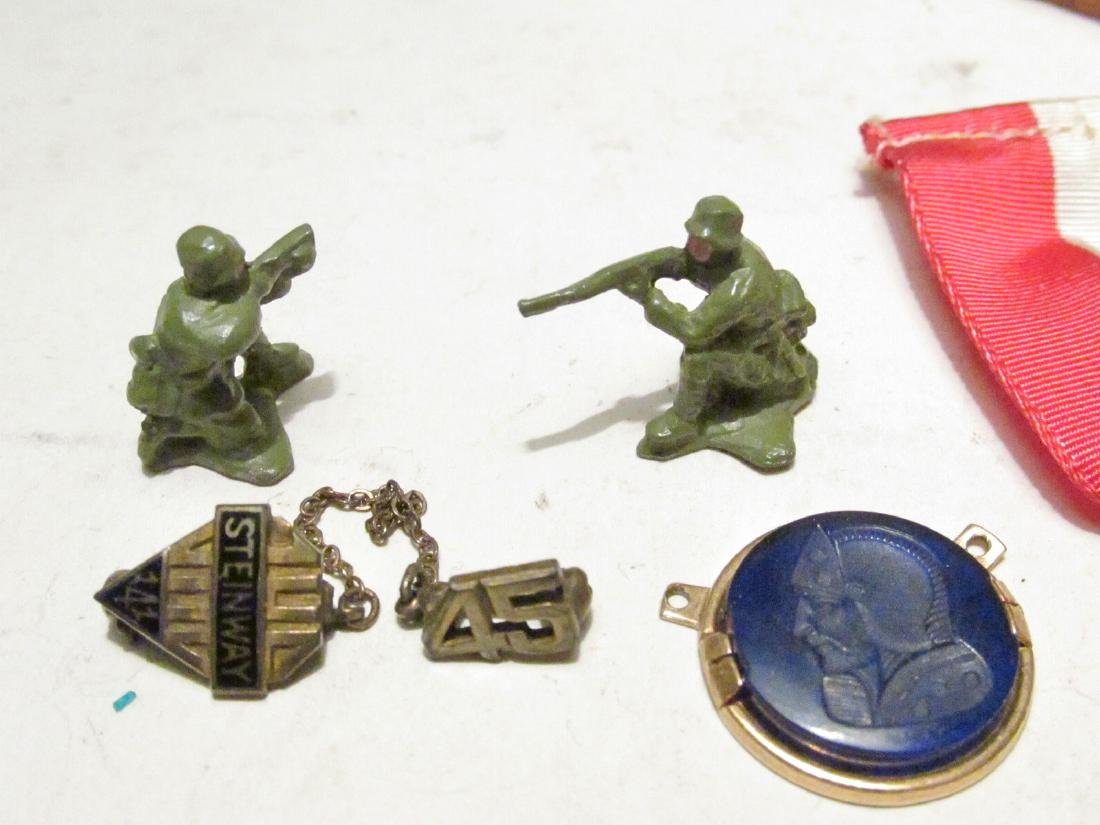 TRAY LOT VINTAGE COLLECTIBLES, TOYS, MEDALS, ETC. - 2