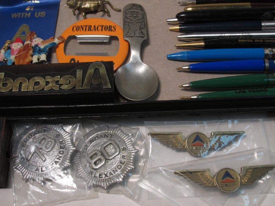 TRAY LOT COLLECTABLES: PENS, ADVERTISING, ETC - 10