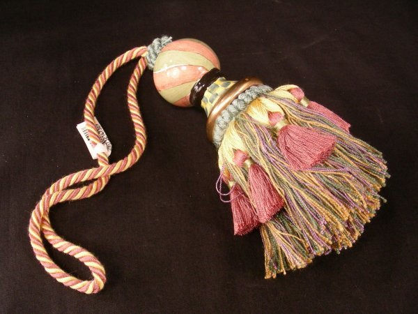413: MACKENZIE CHILDS DECORATIVE TORQUAY TASSEL