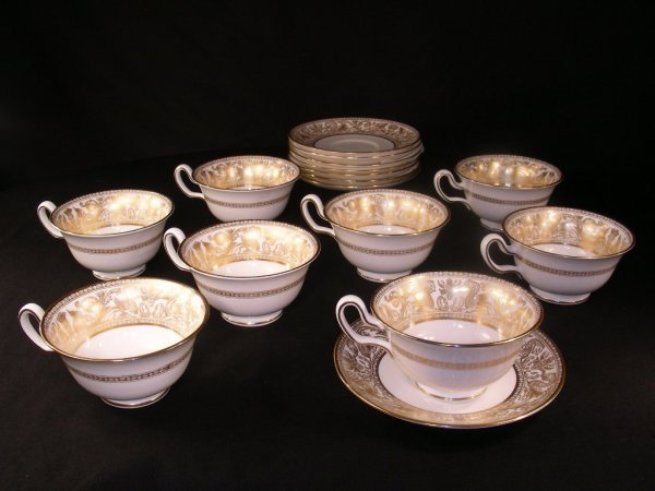 416: WEDGWOOD Floretine-Gold W4219 CUPS SAUCERS 8 SETS