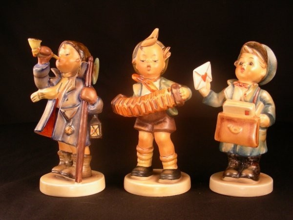 419: HUMMEL FIGURES POSTMAN HEAR YE ACCORDION BOY 3 PCS