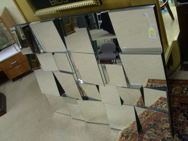 575: LARGE CONTEMPORARY FREE FORM MIRROR WALL HANGING